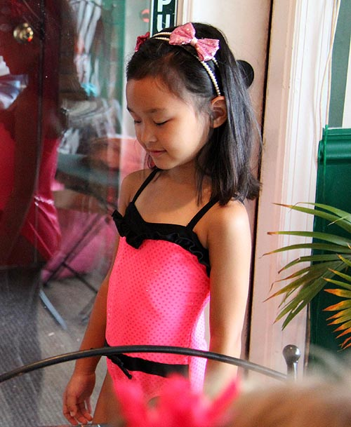 girls fashion swimwear Little girls resemble retro